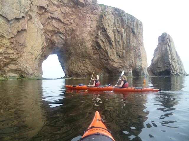 gaspesie-rocher-percé-kayak-7