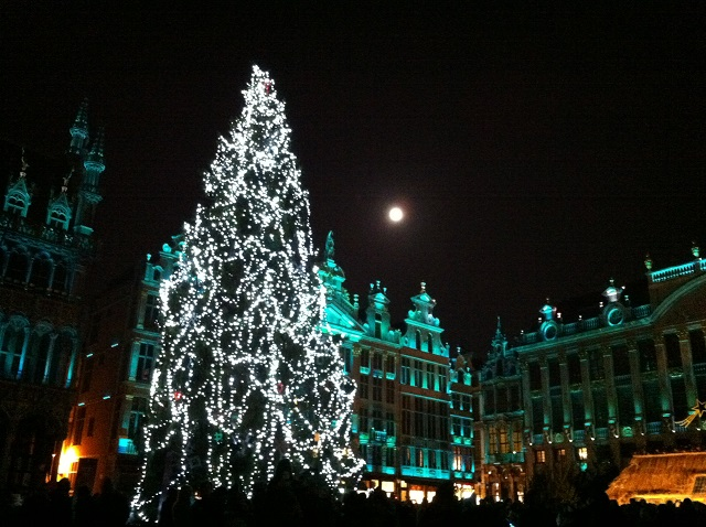 grand place bruxelles illuminations