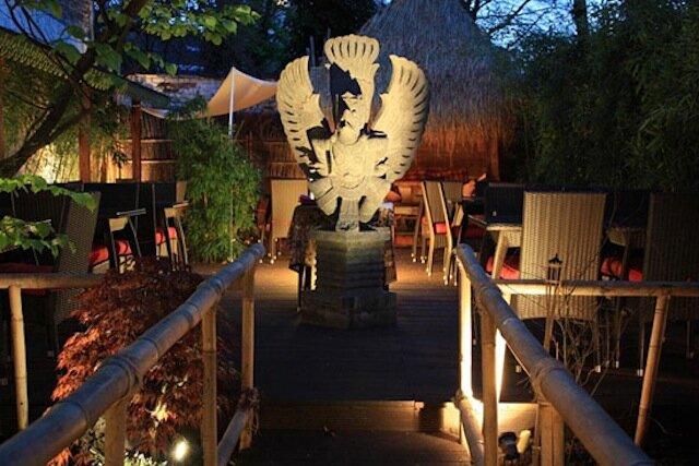 Garuda indonesian restaurant la fille du quatri me - Resto terrasse jardin bruxelles nanterre ...