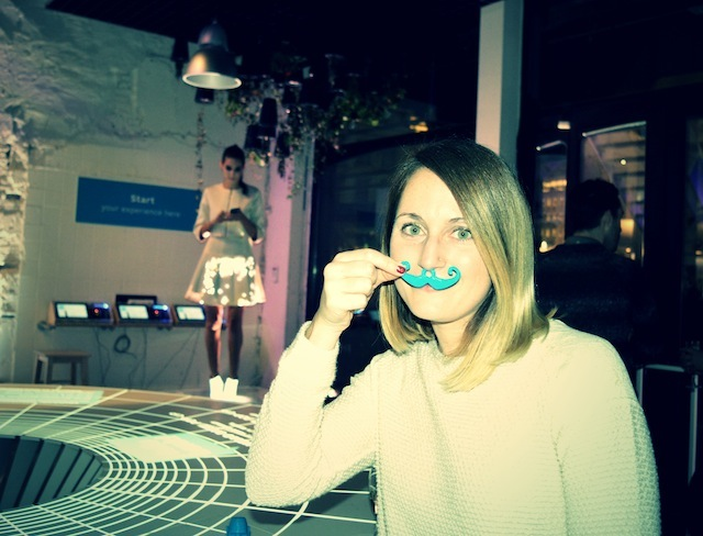 moustache - Cute Circuit – Fashion Show