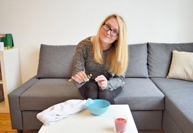 arbre th huile essentielle miraculeuse acn gommage la fille du quatri me. Black Bedroom Furniture Sets. Home Design Ideas