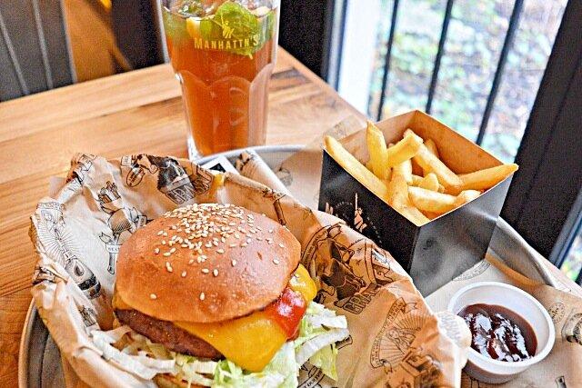 Manhattn-s-Burgers-bruxelles-1