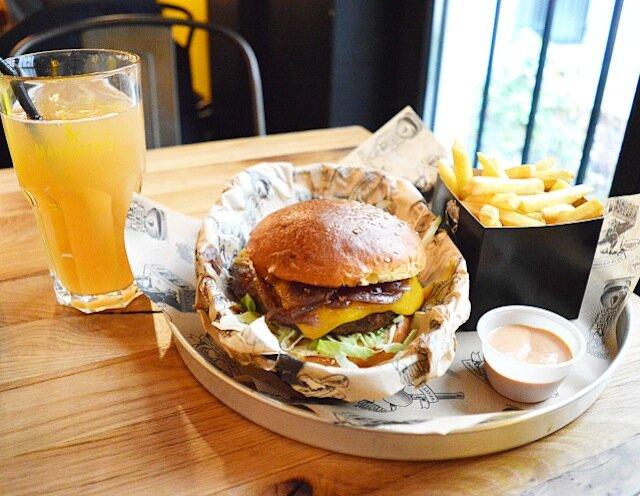 Manhattn-s-Burgers-bruxelles-10