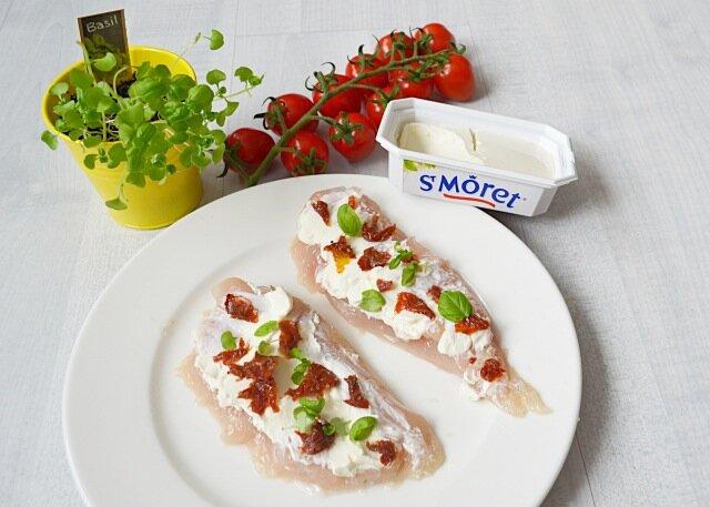 roulade-de-poulet-au-st-moret-tomates-sechees-3